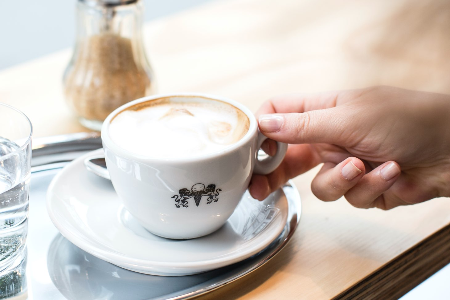 Italienische Kaffetasse mit Leones Löwen Branding